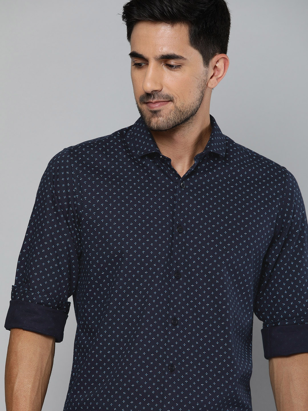 Mast  Harbour Men Navy Blue  White Regular Fit Printed Casual Shirt-12934538