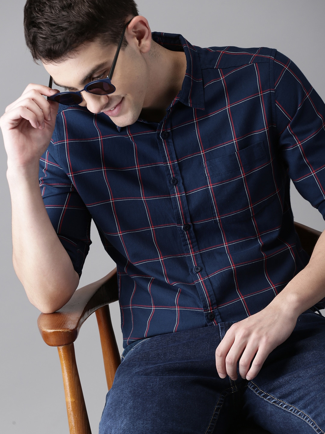HERENOW Men Navy Blue  Red Slim Fit Checked Casual Shirt-9768031