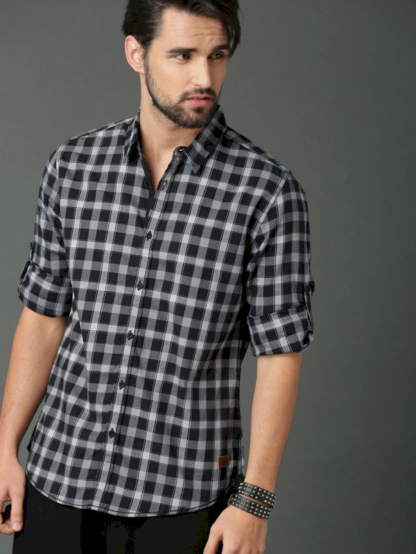 Roadster Men Regular Check Casual Shirt