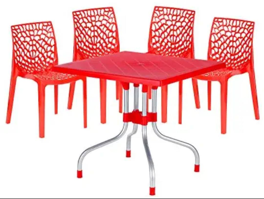 Supreme Web Set Of 4 Chairs And 1 Olive Table